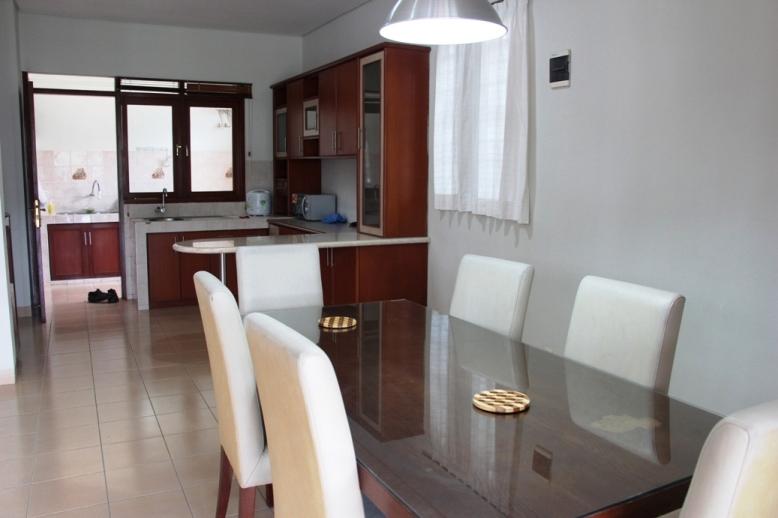 Villa M2-17 Dining room